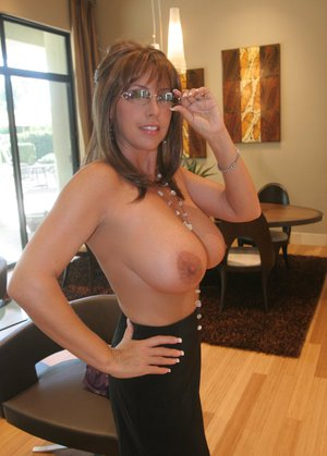 Housewife Moms Pics
