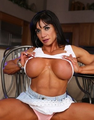 Muscle Moms Pics